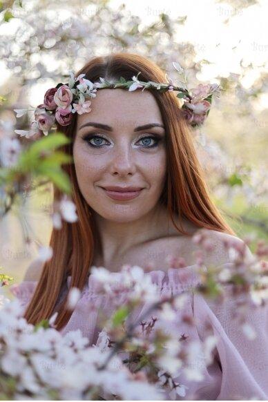 Gėlių vainikas 2