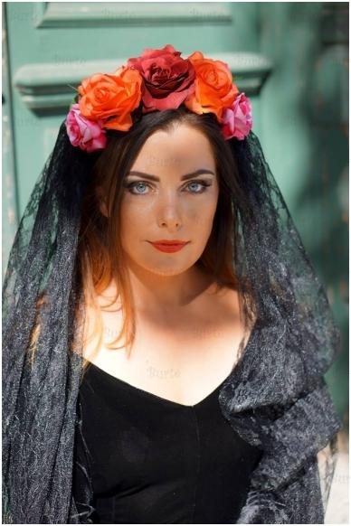 Juodas veliumas su gėlėm 3