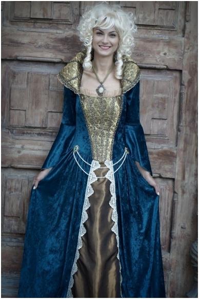 Karalienės suknelė 2