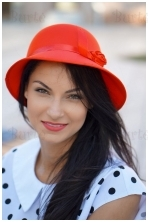 Raudona skrybėlaitė