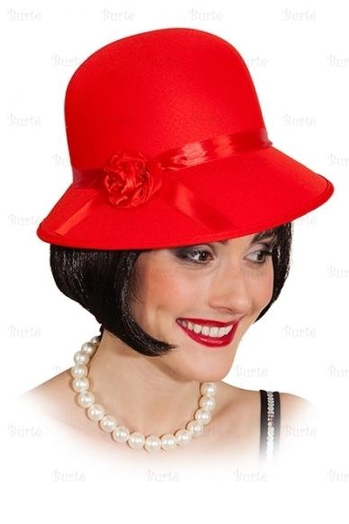 Raudona skrybėlaitė 2