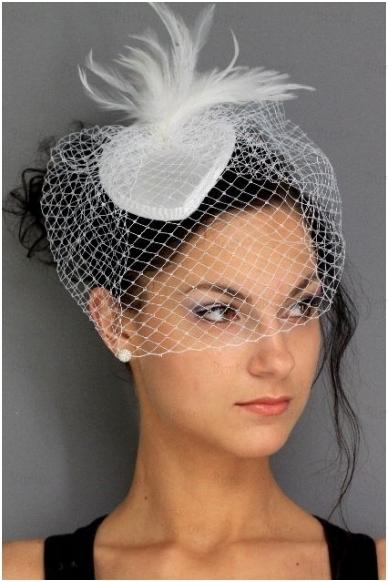 Retro skrybėlaitė