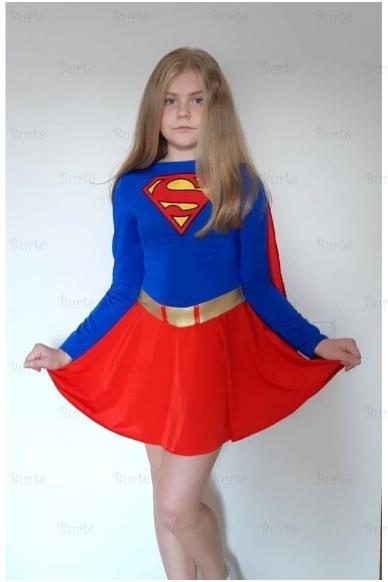 Supermergaite kostiumas 3