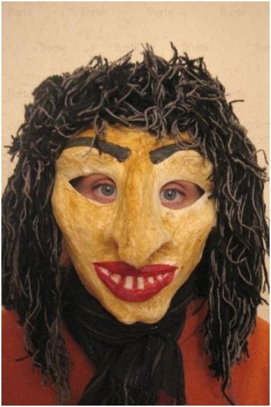 Užgavėnių raganos kaukė
